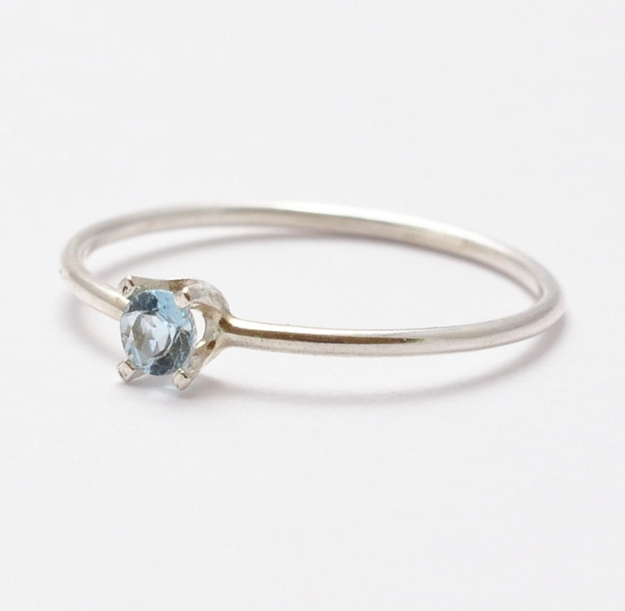 Aquamarine Ring: Simple Sterling Silver Gifts for Teenagers