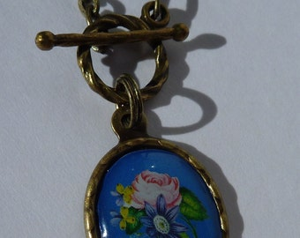 Vintage Look Flower Necklace