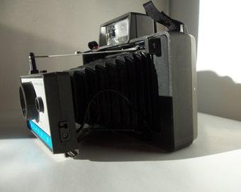 Perfect 1960's Polariod Land Camera 210