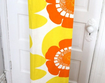 Vintage groovy fun curtains with graphic flowers yellow orange white