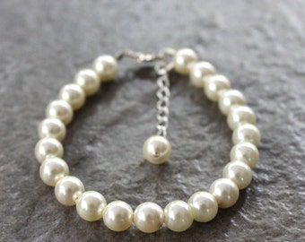 Pearl Bracelet for Little Girl. Special Event. Made to Order