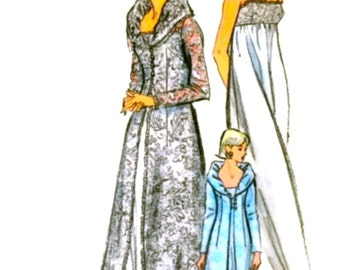 Vogue 6430 - Vintage Sewing Pattern - FF - GLAMOROUS Dressing Gown, Peignoir Robe, Nightgown, Negligee - 2  Sizes Available