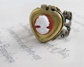 Locket Ring, Heart Locket, Keepsake Ring, Cameo Ring, Vintage Locket, Mothers Gift, Cocktail Ring - Keepsake