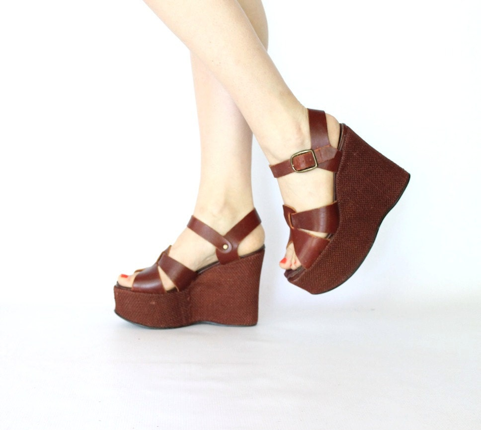 vintage 70s warm brown woven leather platform wedges 5 inch