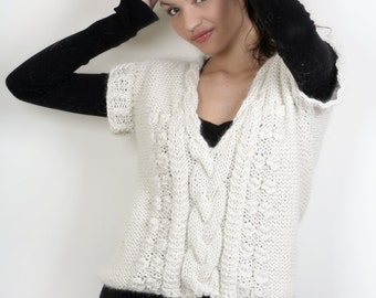 Cropped alpaca sweater, Ivory alpaca top, crochet blouse, cropped winter top, knitted alpaca pull, sleeveless alpaca sweater, boho wool pull