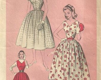 Advance 6359 / Vintage 50s Sewing Pattern / Dress / Size 12