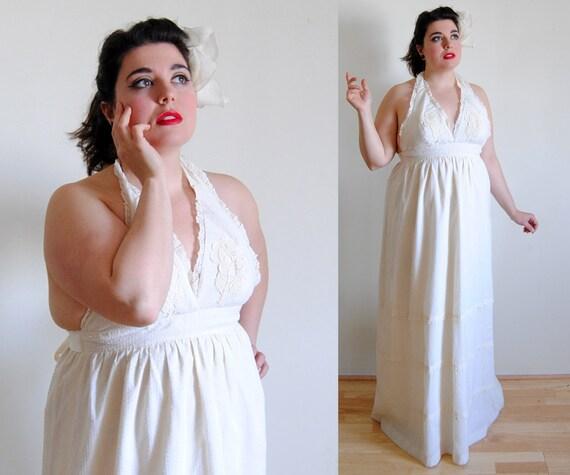 Plus Size Vintage Dress 1970\'s White Maxi Halter Dress //