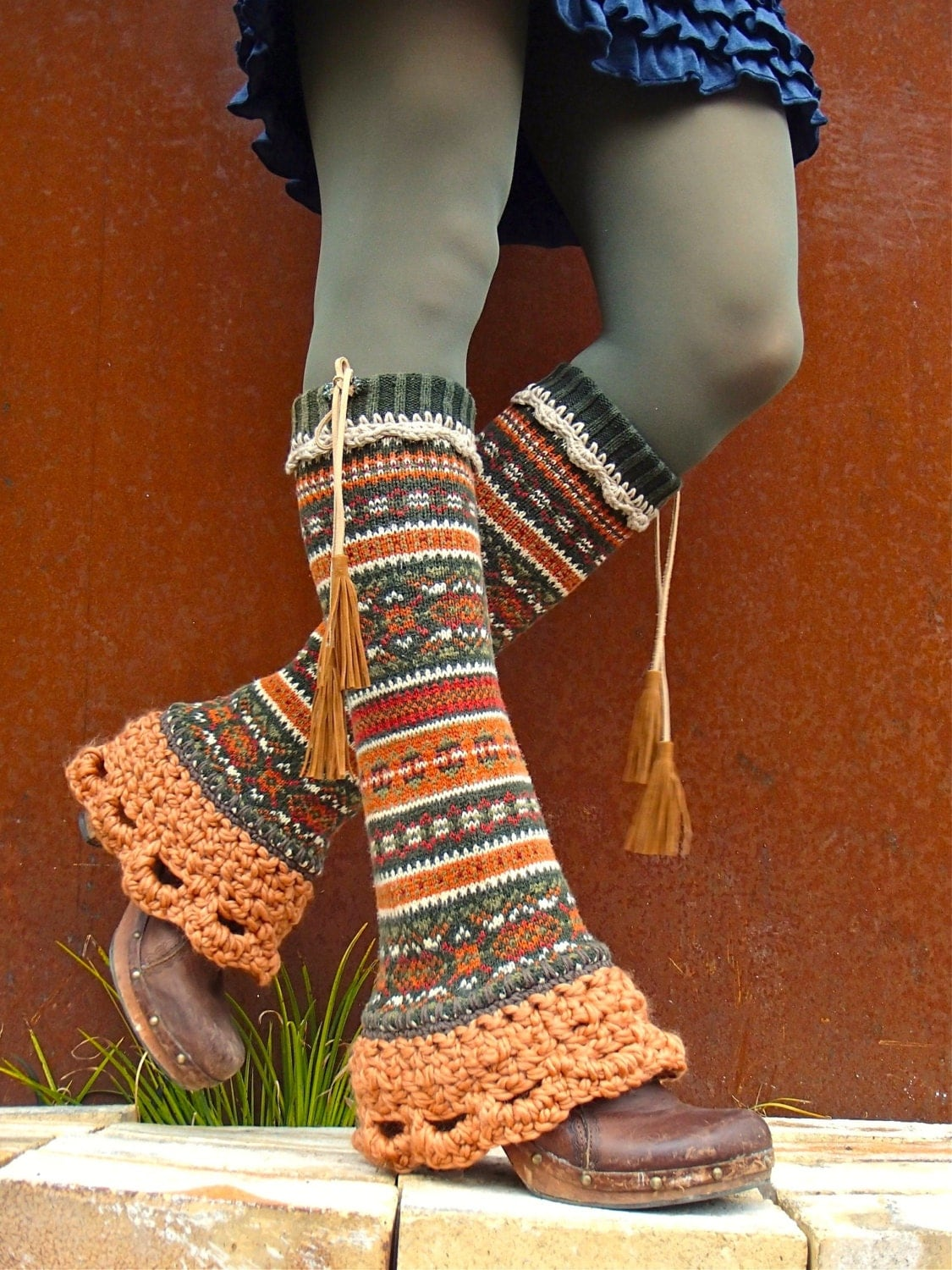 Leg Warmers; Leg Warmers. Like socks, minus the feet, leg warmers are perfect for adding that extra bit of coziness! That makes them great a layer for dance, working out or just hanging out. Whether you're wearing them over bare legs, stockings or pants, a leg warmer offers .