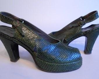 Green Hills of England - Vintage WW2 1940s Dark Green Snake Skin Slingback Platform Heels - 5/5.5