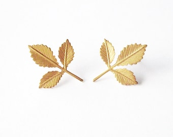 Small Gold Leaf Studs Botanical Earrings Nature Inspired Jewelry Tiny Garden Grecian Vintage Style Rustic Woodland Wedding Accessories Gift