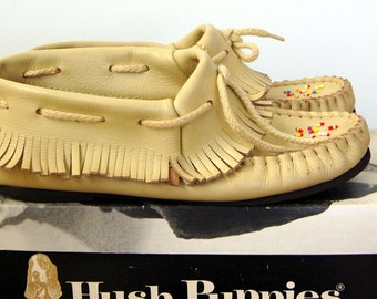 Vintage 60s White Leather MOCCASINS with Fringe by HUSH PUPPIES with Original Box Size 6