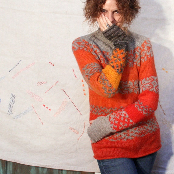 Campfire Serendipity Tribal Sweater in M - with thumbholes to stay warm and toasty