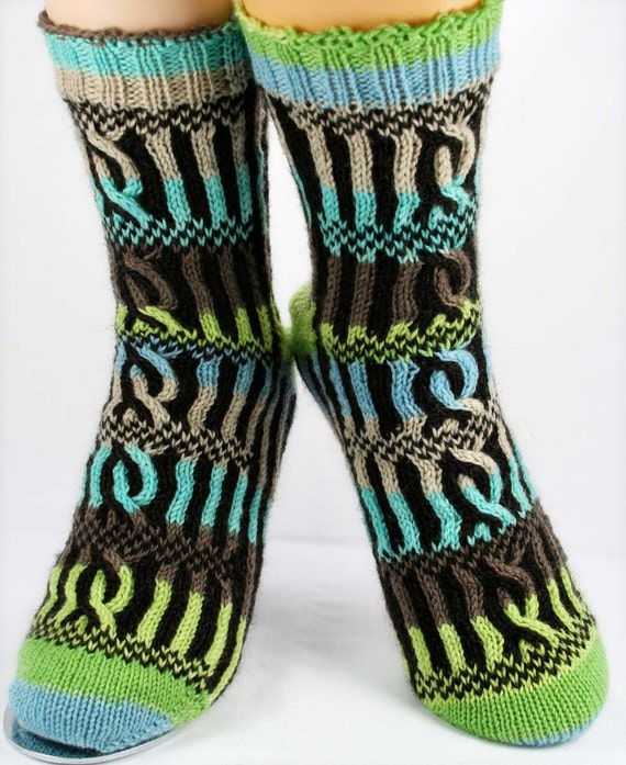 KNITTING PATTERN for  Roman Forum Socks