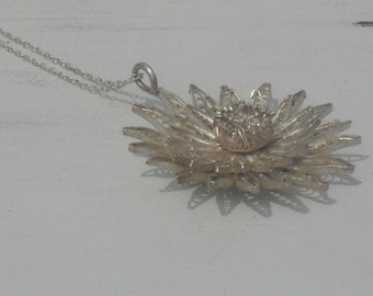 Delicate HandMade --Vintage Sterling Silver Flower-- Filigree Pendant Necklace--Intricate