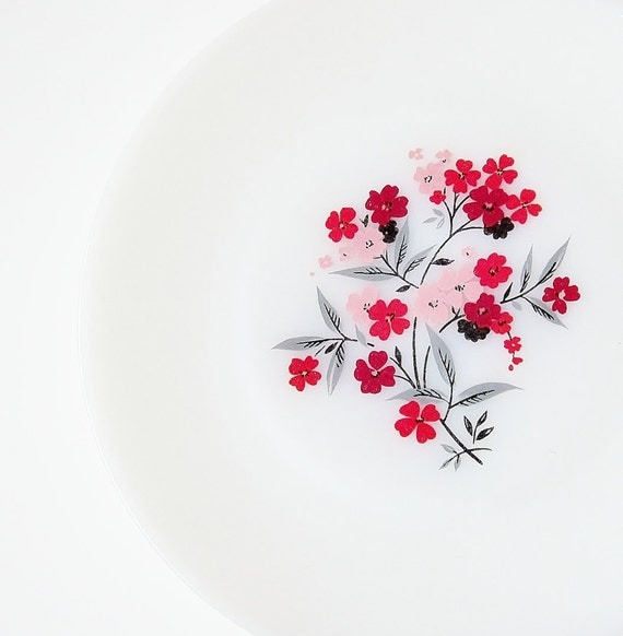 Vintage Primrose Milk Glass Plates Fire King Anchor Hocking Red Pink Flowers Gray Black Leaves