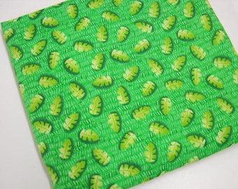 Green Cotton Fabric, Cranston Print Works, Sewing Notions, 7/8 yd Quilting Cotton