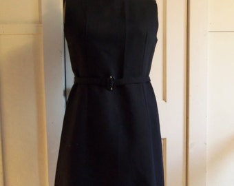 Black Sleeveless Shift Dress / 1960s / small - medium