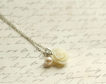 SALE - Beautiful Ivory Rose and Pearl Necklace - Ivory Rose Necklace - Bridesmaid Necklace - FlowerGirl Necklace - Ivory Wedding - Cream