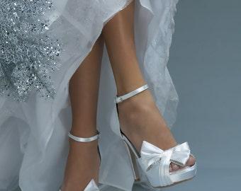 "Bow Wedding Shoes -- 4"" platform heels Size 6"