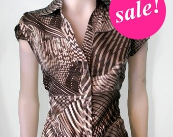 Gray fitted blouse, ON SALE, Tailored, 40s inspired, sateen, Op ArT print, MaD MeN fitted blouse, only M