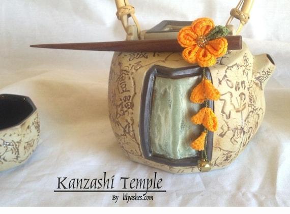 Small Pumpkin Orange Kanzashi Hair Stick With Shidare