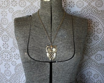 Vintage 1970's Oversized Gold Tone Owl Necklace
