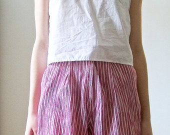 """SALE Vintage 80s """"Candy Cane"""" crepe red and white striped shorts size S"""