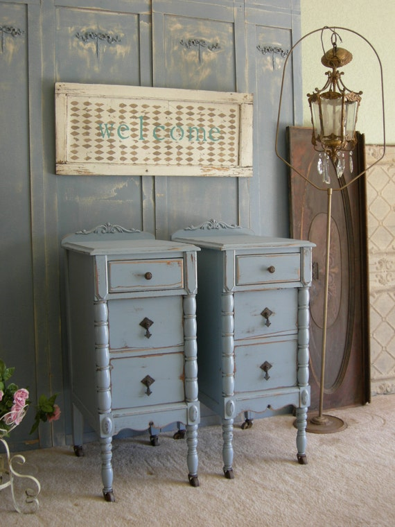 Antique pair of nightstands chic bedroom furniture shabby How tall is a nightstand