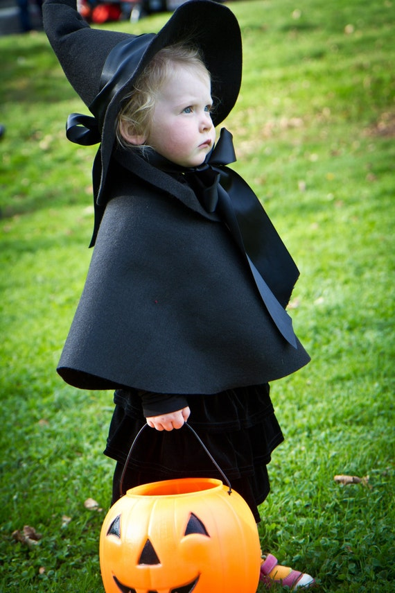 how to make a witches cape