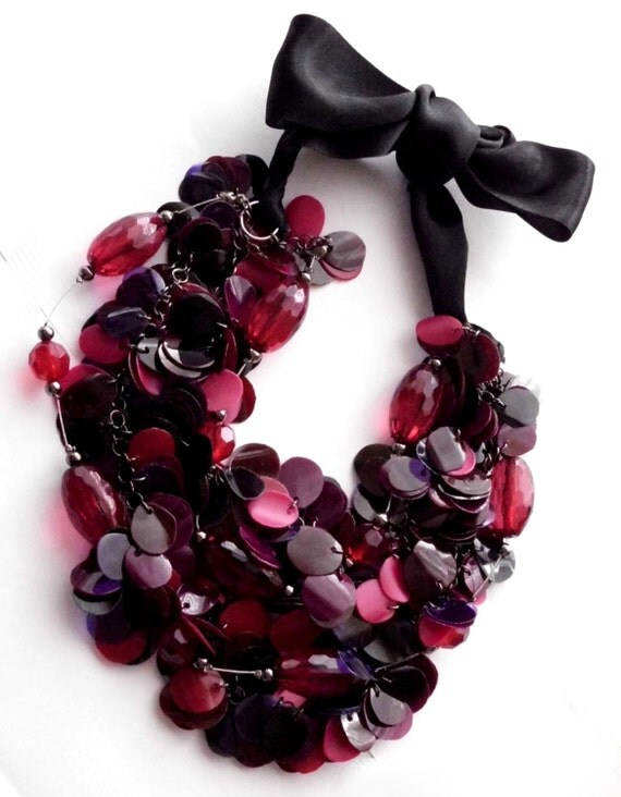 Statement necklace in red, purple & black made of recycled plastic bottles, chunky beads and ribbon - upcycled jewelry, eco friendly