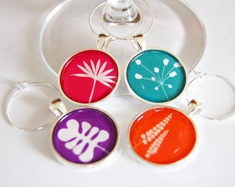 Wine Charms, Wine Glass Charms, Leaves Wine Charms, silver plate, barware, modern leaves, entertaining, table setting (2286)