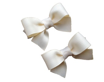 Cute small ivory hair bows - small ivory bows, baby bows, toddler bows, small bows, girls hair bows, hair clips, hair bows