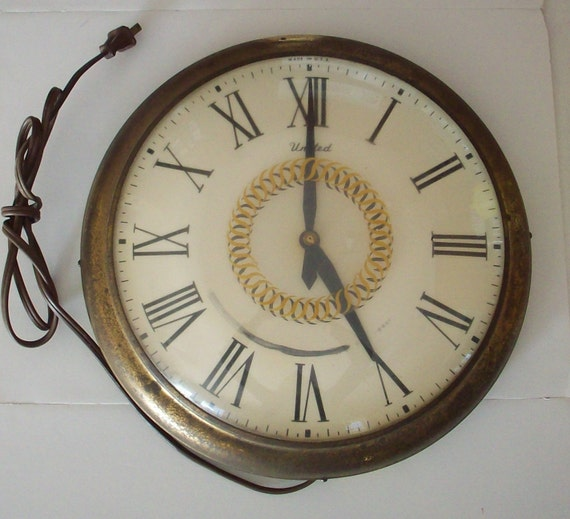 Vintage Electric Wall Clock Model 45 United Clock Corp