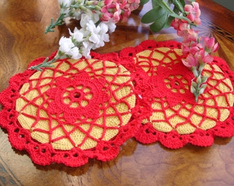 Crocheted Trivets set of 2 1950's 6 inches round hand made