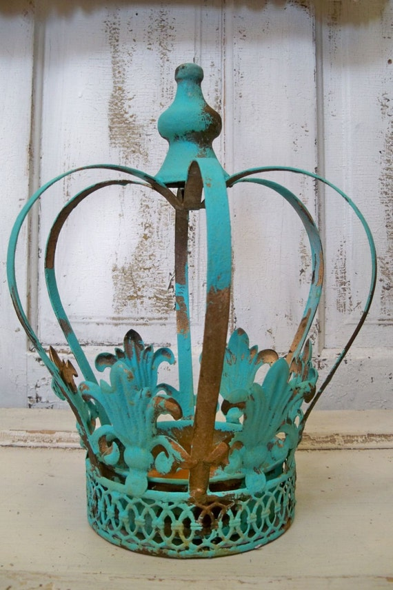 Large Metal Crown Aqua Distressed Rusty Home Decor Planter