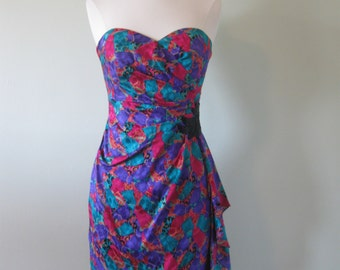 Vintage 80's Strapless Party Dress// Beaded// Applique