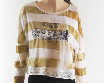 Cat Tshirt Meow shirt kitten shirt Cat Love Art Design teen shirt vintage shirt Women Tshirt Long Sleeved Crop Top Tunic Screen Print Size L