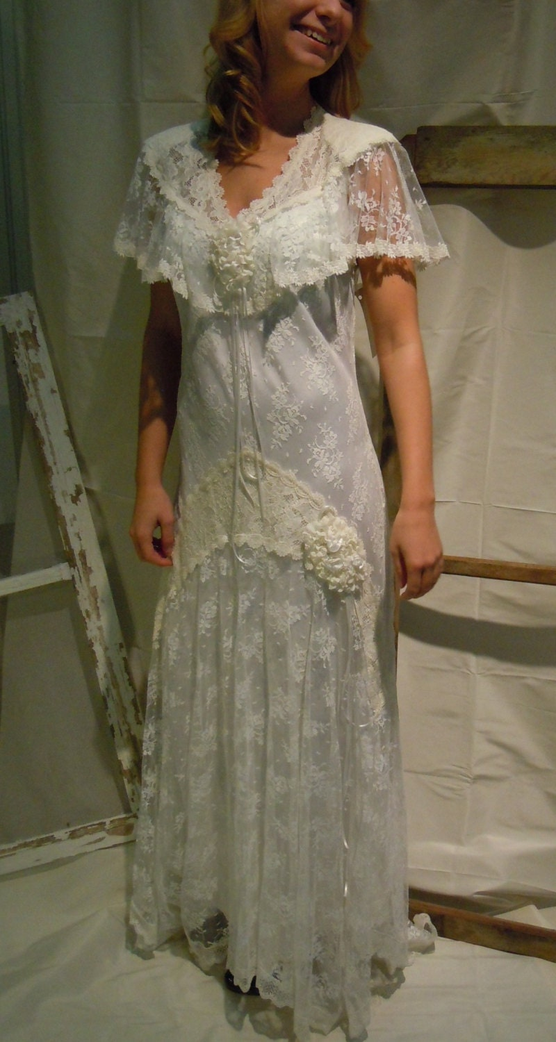 White victorian lace wedding dress by susan lanes country for Victorian lace wedding dress