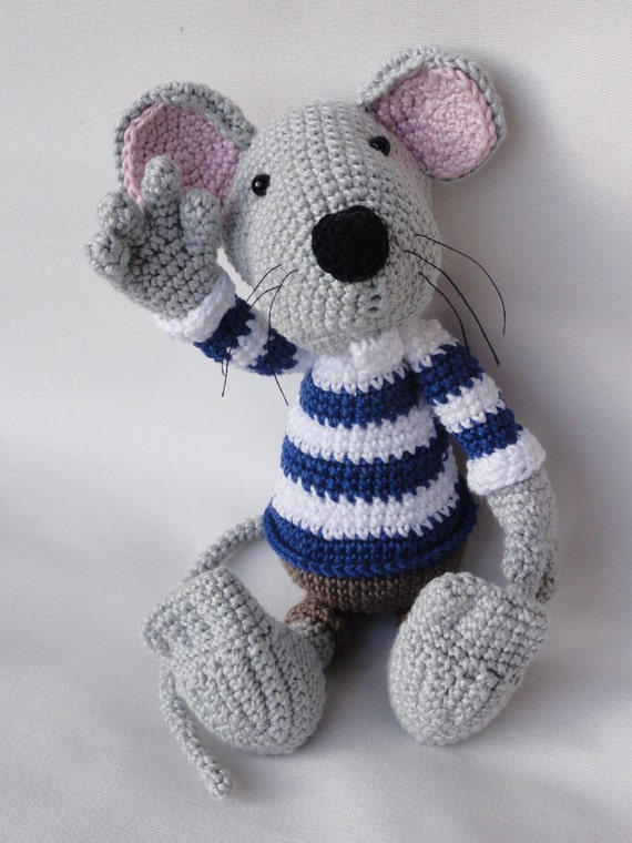 Amigurumi Patterns Free Mouse : Amigurumi Crochet Pattern Rumini the Mouse