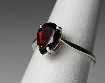 Garnet Ring Sterling Silver / Natural Garnet Silver Ring / Gemstone Ring / January Birthstone