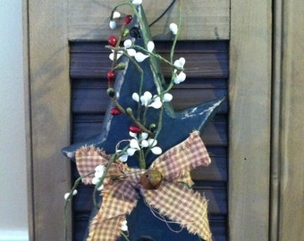 Primitive Wooden Star with Berries and Ribbon