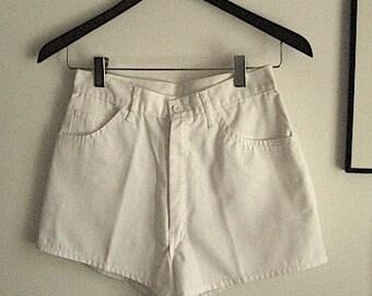 80s Vintage Shorts / White Short Shorts / Resort Fashion / Beach Resort / Micro Shorts / Junior Shorts 11/12 / Vintage Vacation Clothes