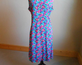 Sleeveless 60's floral dress no219