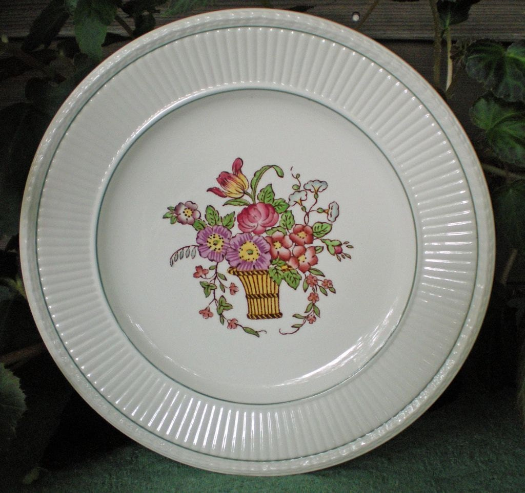 dating wedgwood etruria Edme, wedgwood's creamy earthenware tableware, has a motif drawn from our original 18th century archives, introduced in 1908 and is dishwasher and microwave safe.