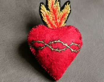 Sacred-Heart - Felt Brooch, hand embroidered