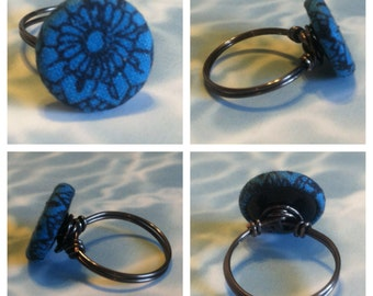 Blue Flower Button Ring (Size 6.25)