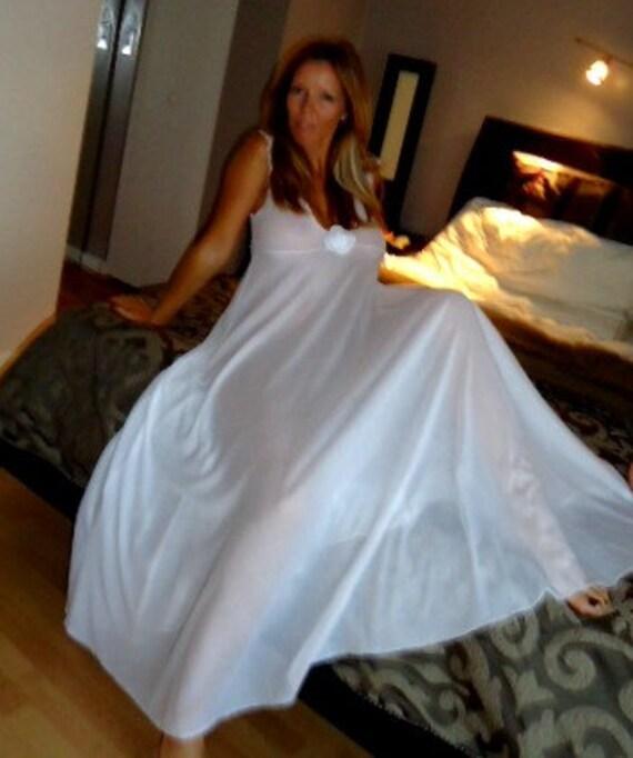 Chemise de nuit nuptiale lingerie de mariage bridal for Robe pour nuit de noces