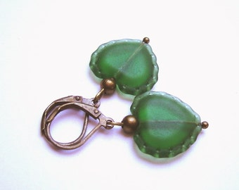 Green Hearts Earrings bronze
