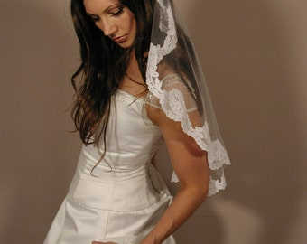"Mantilla veil 34"" circlar cut - Lace veil - mantil veil past elbow length."