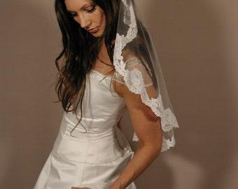 "Mantilla veil 34"" circlar cut - Lace veil - mantil veil past elbow length."
